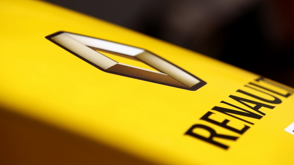 Renault completes Lotus takeover
