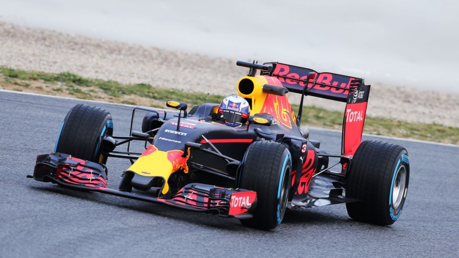 Red Bull RB12: Technical analysis