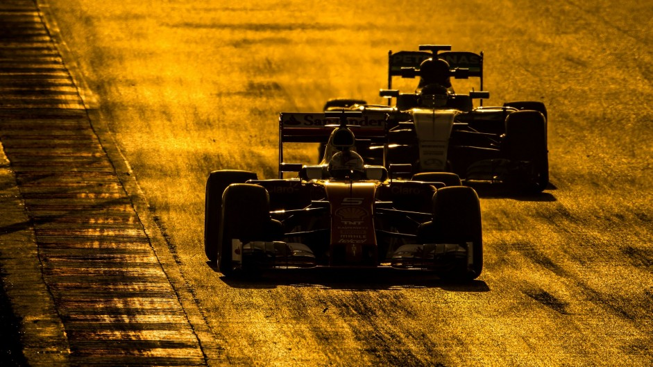 2016 pre-season testing day two in over 100 pictures