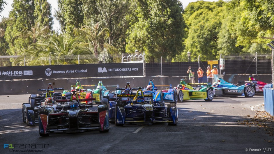 Gripping end to first Formula E race of 2016