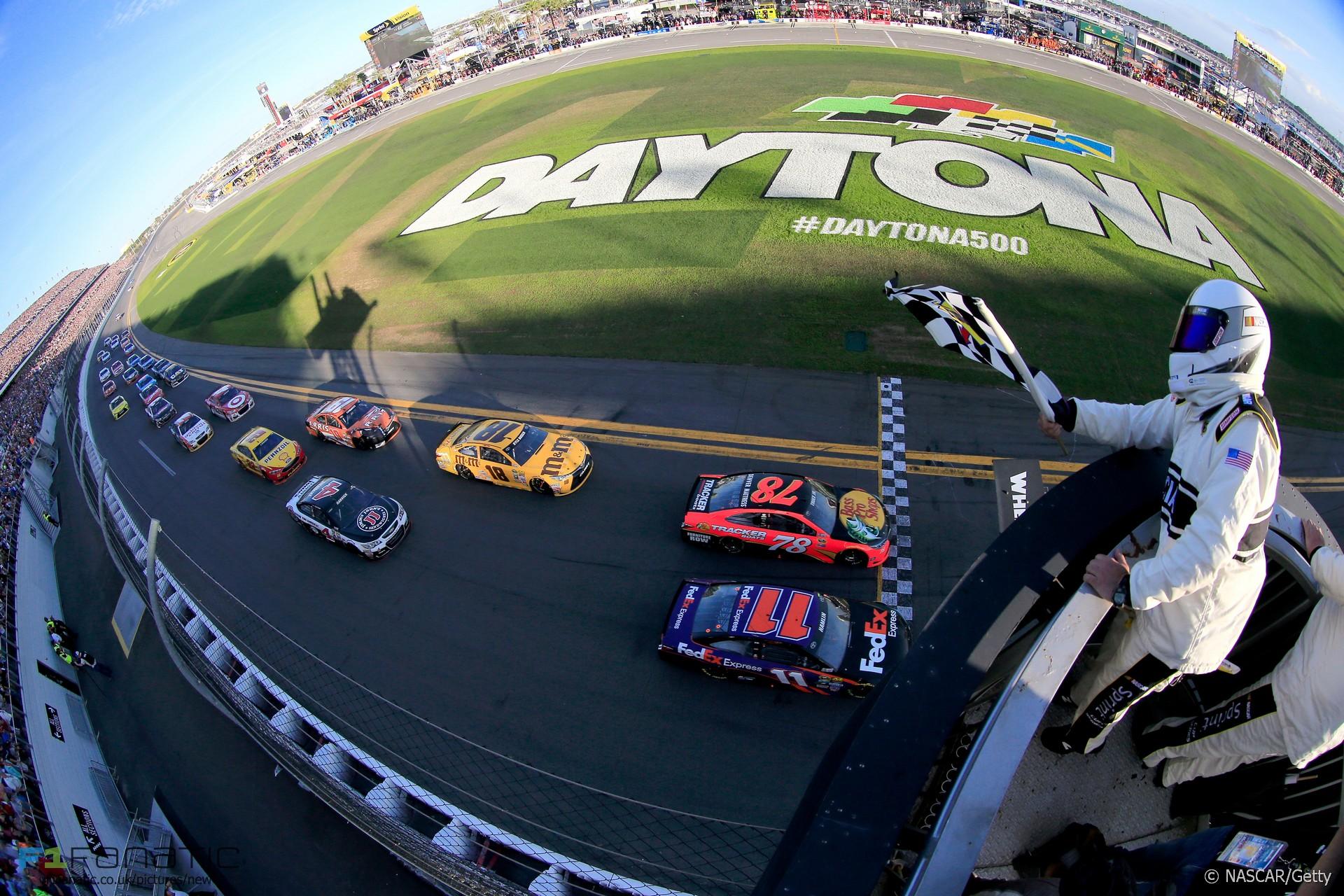 Danny Hamlin, Martin Truex, NASCAR, Daytona 500, 2016