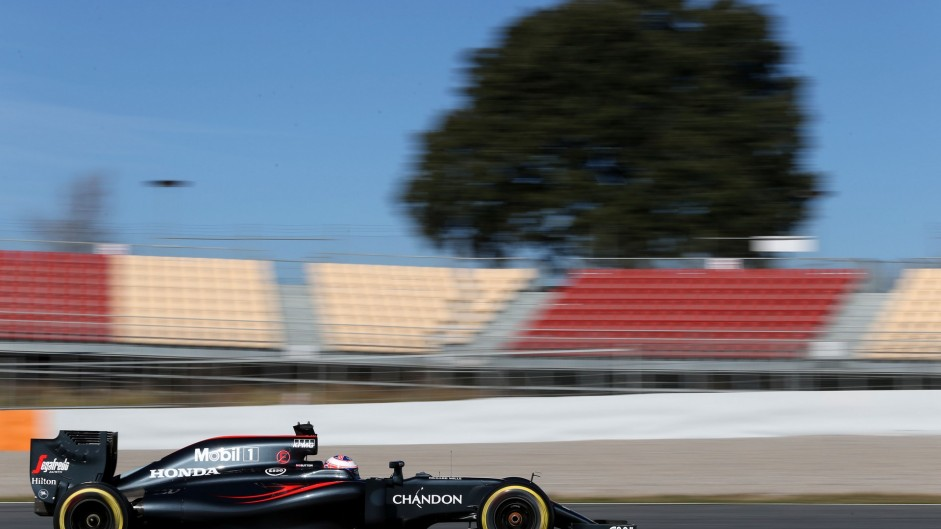 Jenson Button, McLaren, Circuit de Catalunya, 2016