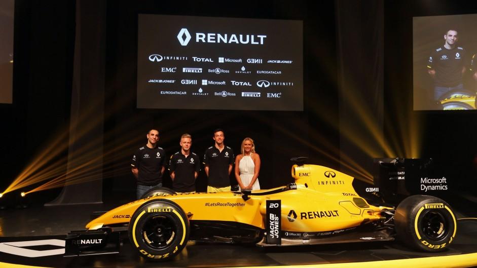 Cyril Abiteboul, Kevin Magnussen, Jolyon Palmer, Renault livery launch, 2016