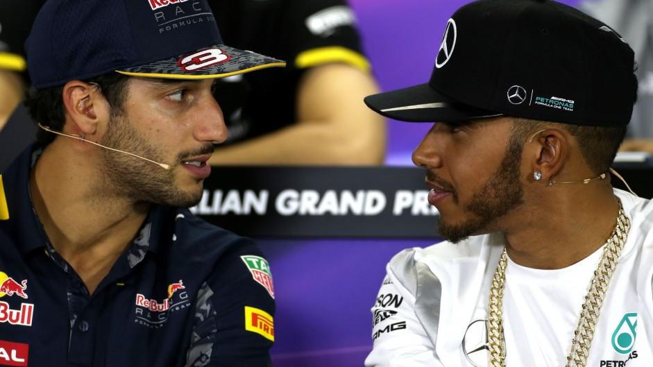 Daniel Ricciardo, Lewis Hamilton, Albert Park, 2016