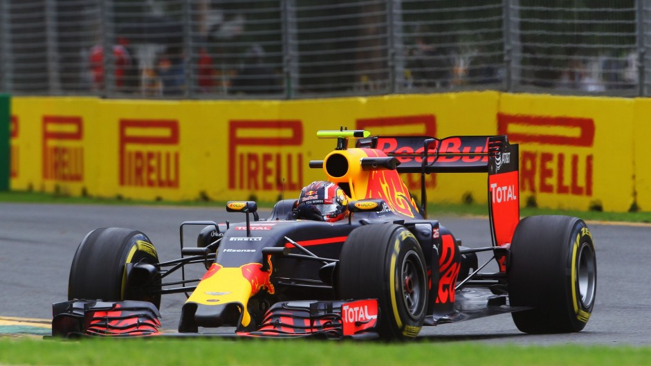 Win terrific F1 prizes with your 2016 Australian Grand Prix predictions