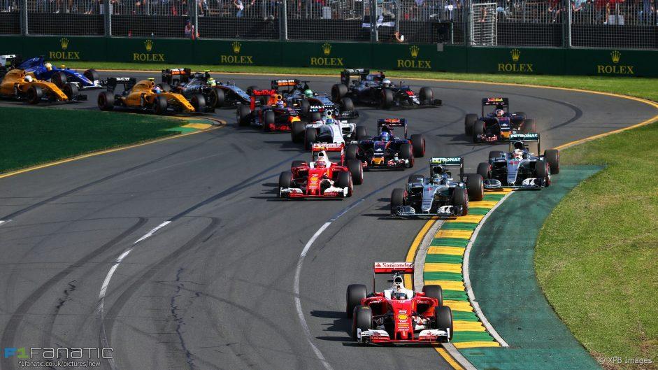 Hamilton points finger at Rosberg over poor start