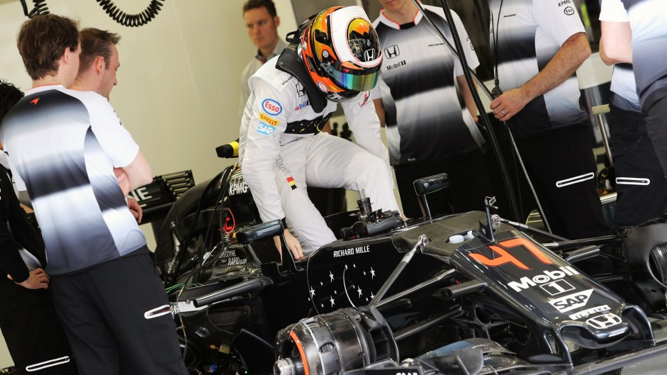 Stoffel Vandoorne, McLaren, Bahrain International Circuit, 2016