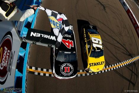 Kevin Harvick, Carl Edwards, NASCAR, Phoenix, 2016
