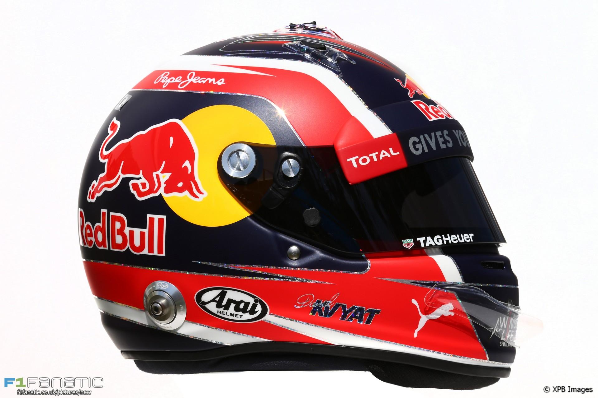 Daniil Kvyat helmet, 2016