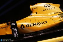 Renault reveals yellow race livery for RS16