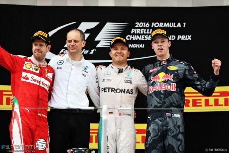Sebastian Vettel, Nico Rosberg, Daniil Kvyat, Shanghai International Circuit, 2016