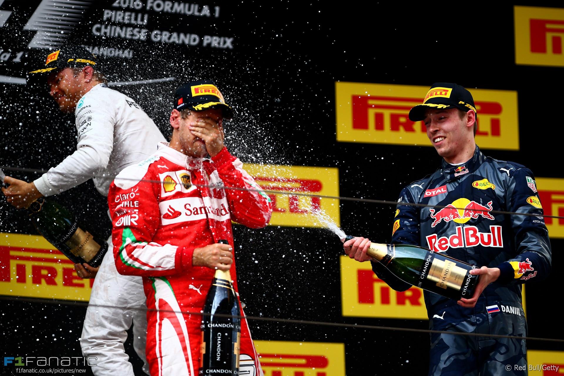Sebastian Vettel, Daniil Kvyat, Shanghai International Circuit, 2016