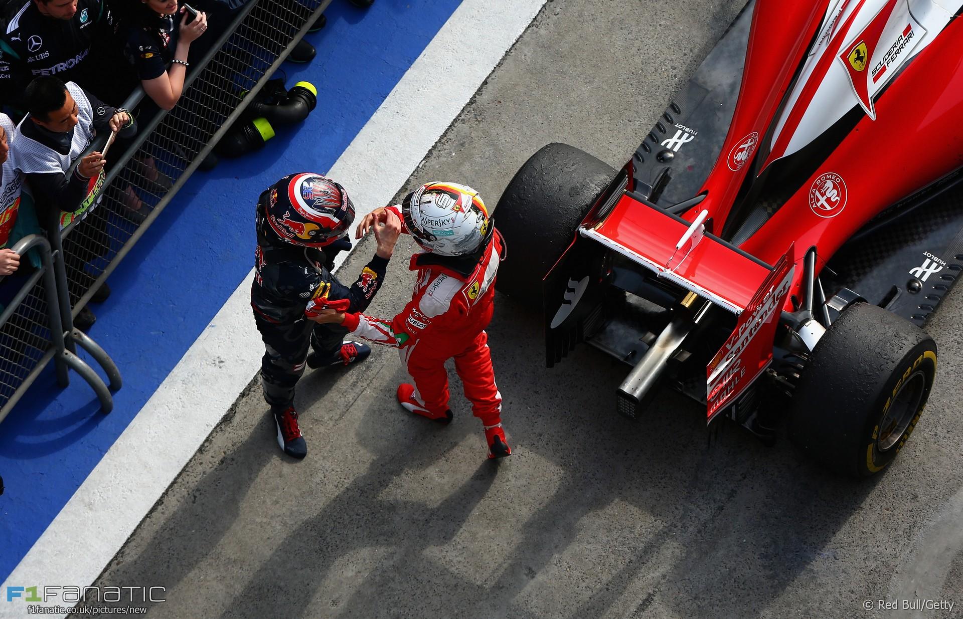 Daniil Kvyat, Sebastian Vettel, Shanghai International Circuit, 2016