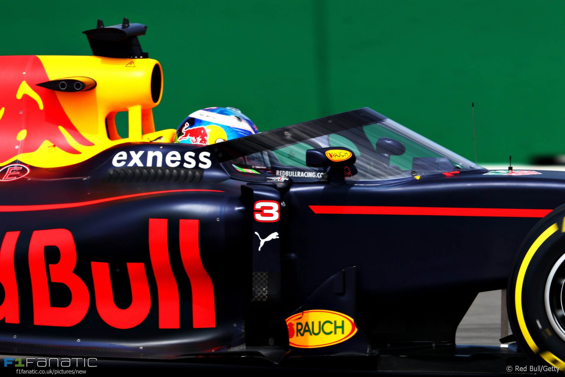New changes to the look of the car can you guess what it is - Daniel Ricciardo Red Bull Sochi Autodrom 2016
