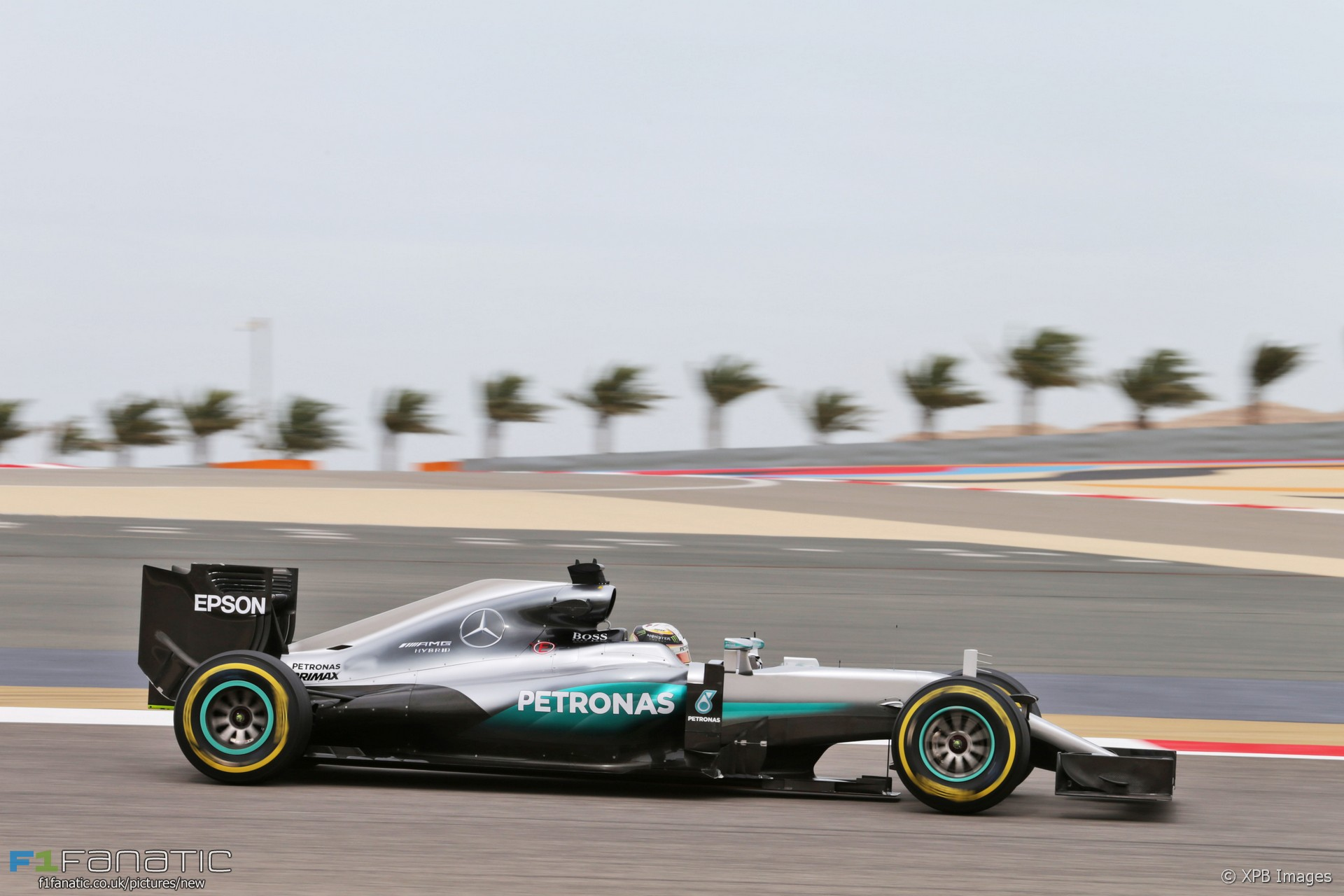 Lewis hamilton mercedes bahrain international circuit for Mercedes benz bahrain