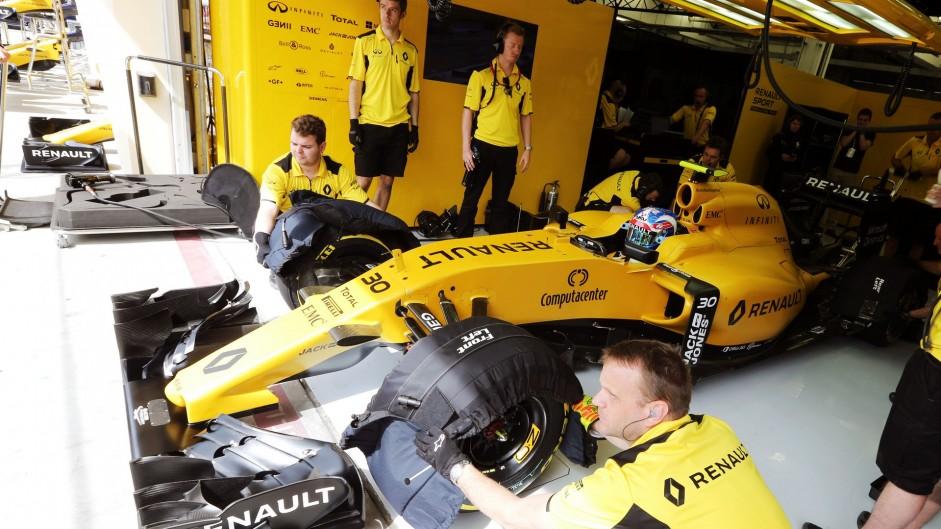 Jolyon Palmer, Renault, Bahrain International Circuit, 2016