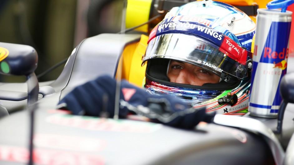 Daniel Ricciardo, Red Bull, Bahrain International Circuit, 2016