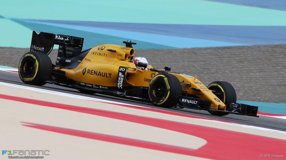 Magnussen to start from pits after weigh bridge error