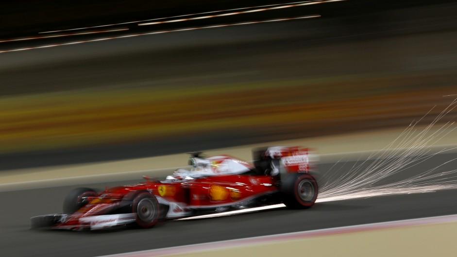 Sebastian Vettel, Ferrari, Bahrain International Circuit, 2016