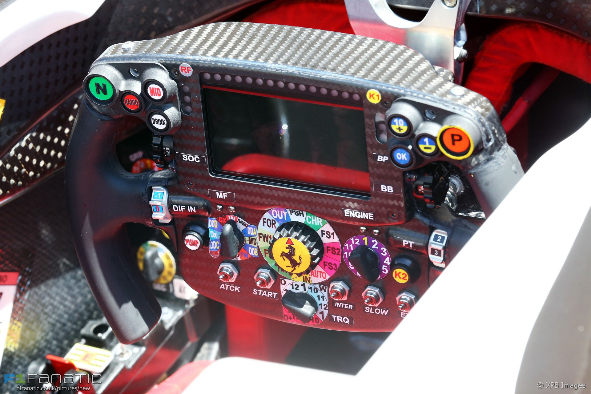 ferrari steering wheel bahrain international circuit 2016 f1 fanatic. Black Bedroom Furniture Sets. Home Design Ideas