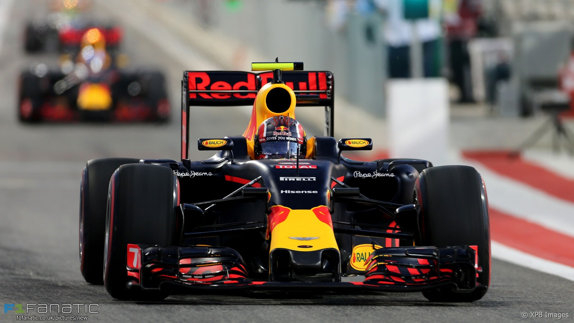 Daniil Kvyat, Red Bull, Bahrain International Circuit, 2016