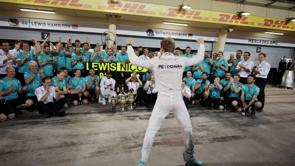Rosberg becomes eighth driver to win five in a row