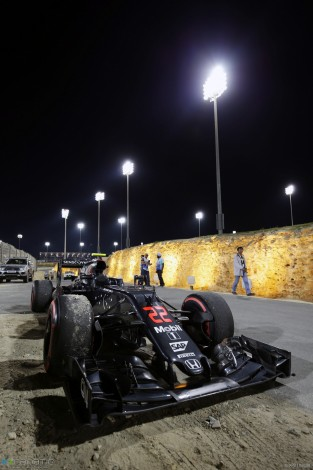 McLaren MP4-31, Bahrain International Circuit, 2016