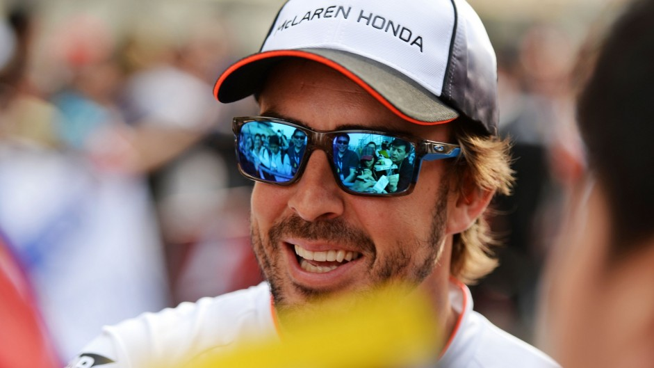 Alonso gets green light to race in China