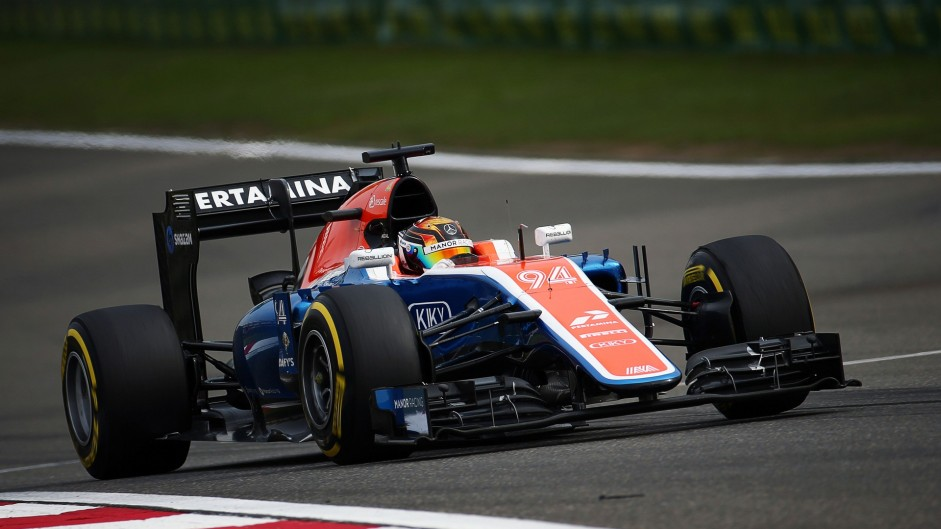 Qualifying stopped after Wehrlein crash