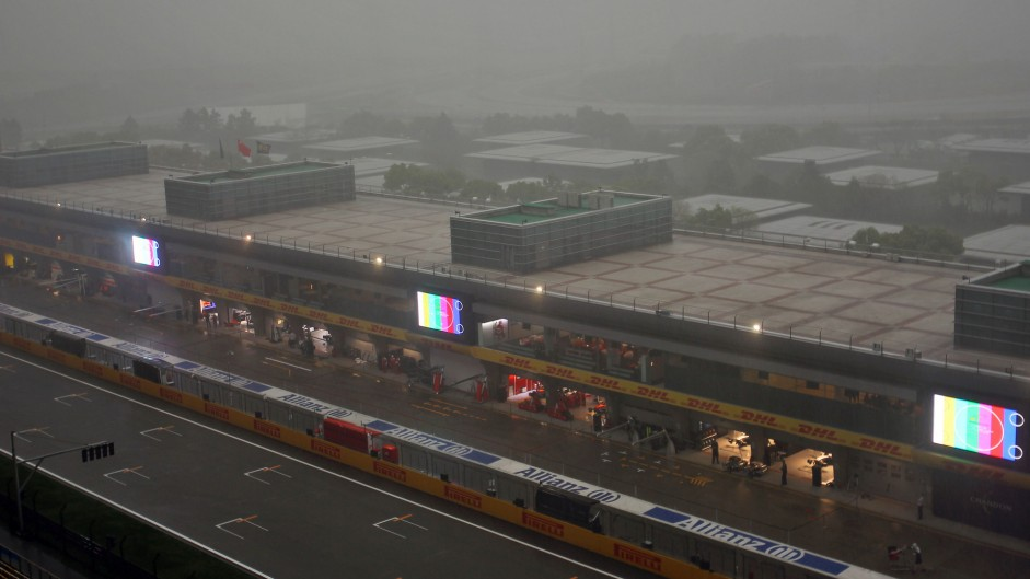 Vettel tops wet final Chinese GP practice