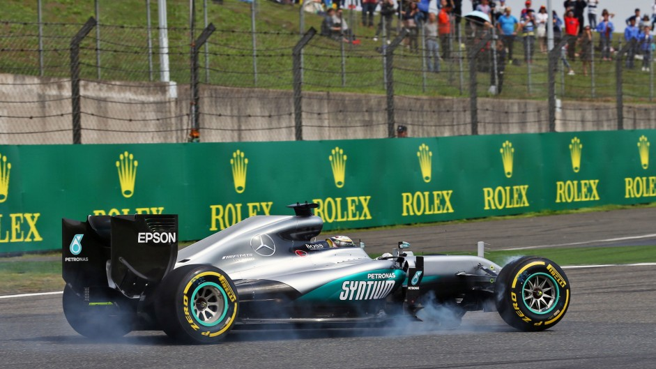 "Hamilton's car handled ""like a four-poster bed"""