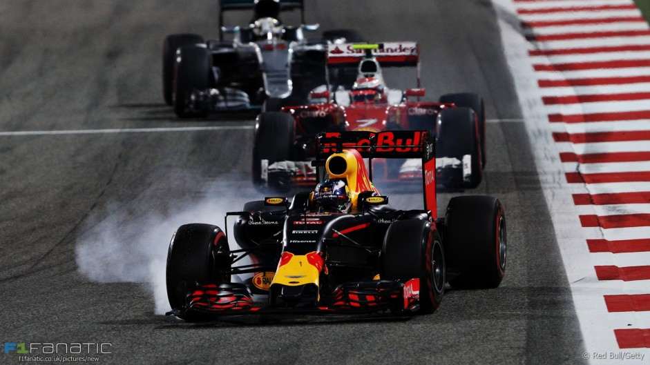 """Races will be """"very dull"""" with more downforce – Ricciardo"""