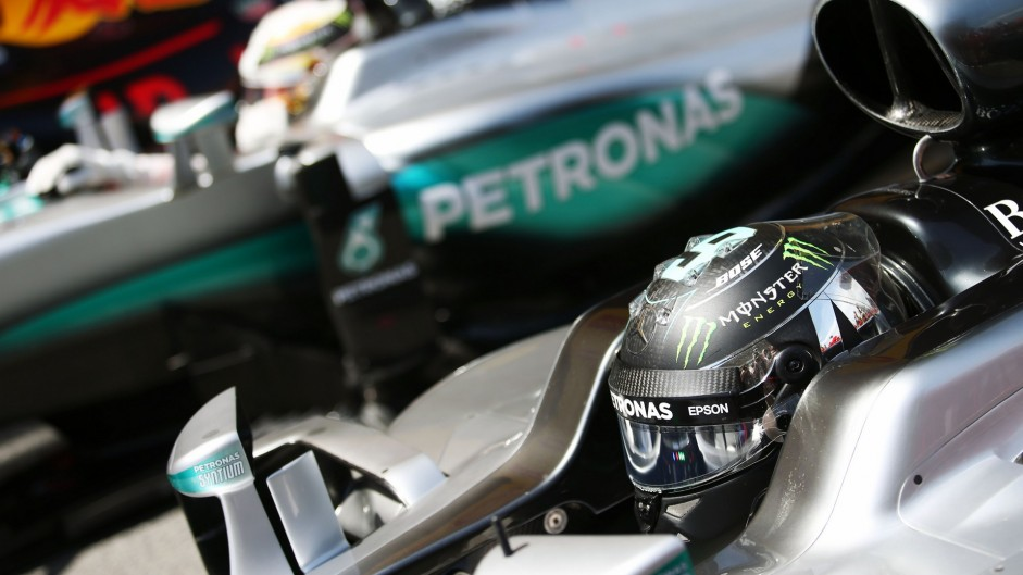 F1 champions differ over Hamilton-Rosberg crash