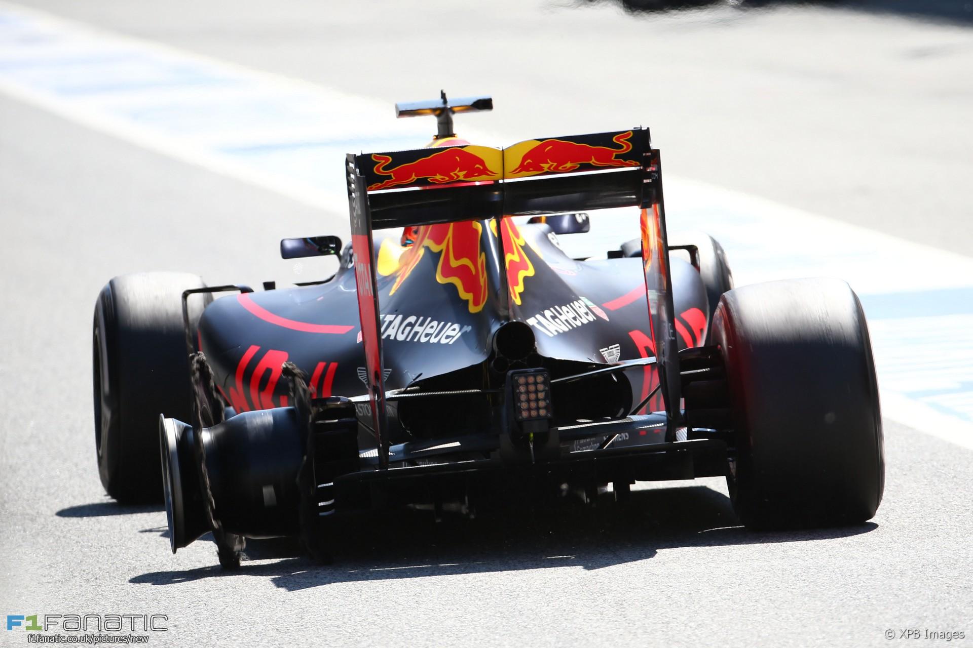 Daniel Ricciardo, Red Bull, Circuit de Catalunya, 2016