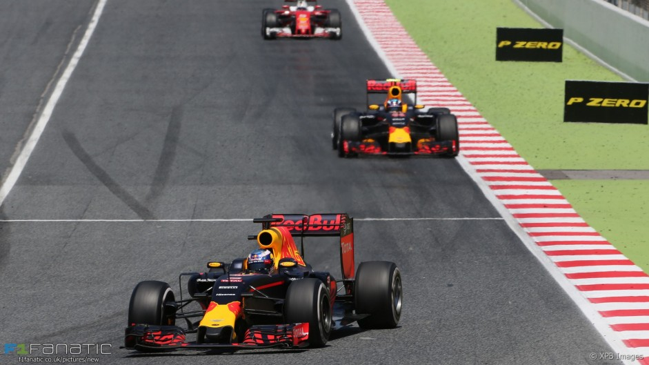 Why Red Bull's strategy was a success – but not for Ricciardo