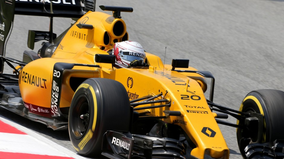 Magnussen feels Renault power unit gains