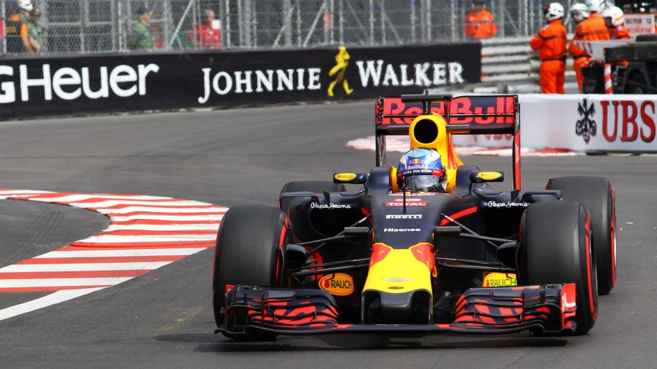 Ricciardo leaves Mercedes behind in incident-packed practice