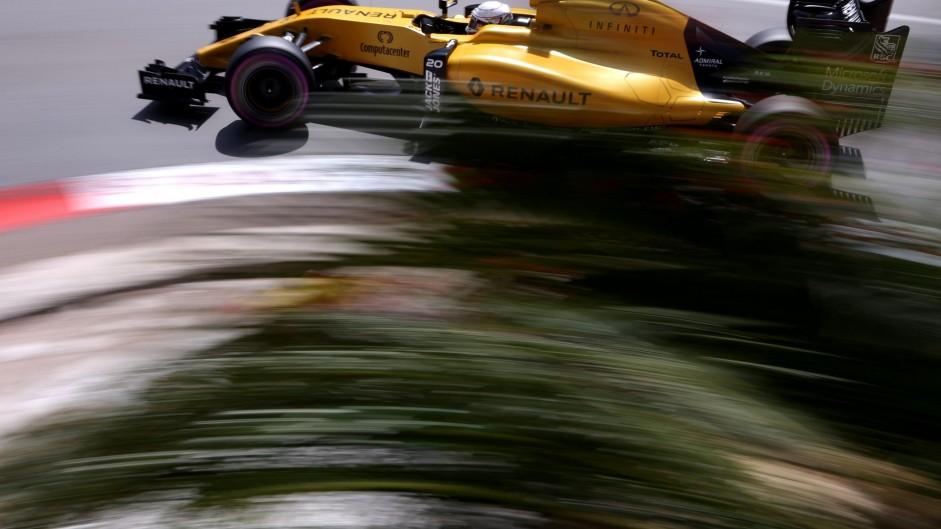 No penalty for Magnussen after pit light investigation