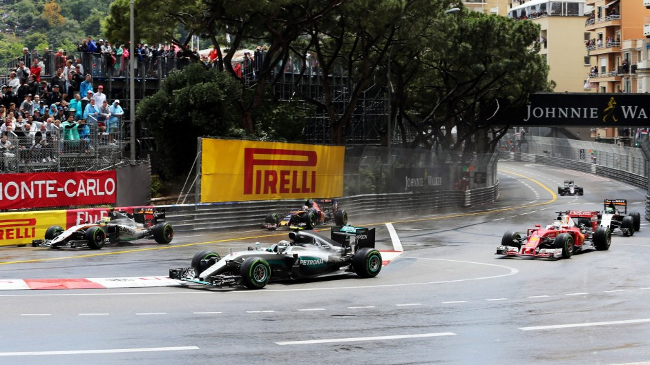 Rosberg 'baffled' by lack of pace