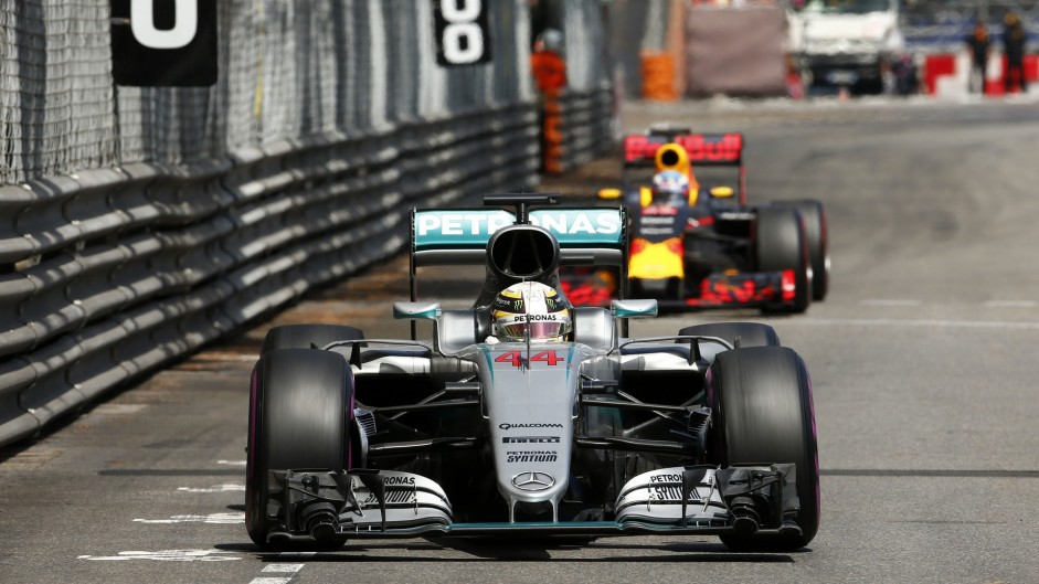 """Red Bull a """"very real threat"""" to Mercedes"""