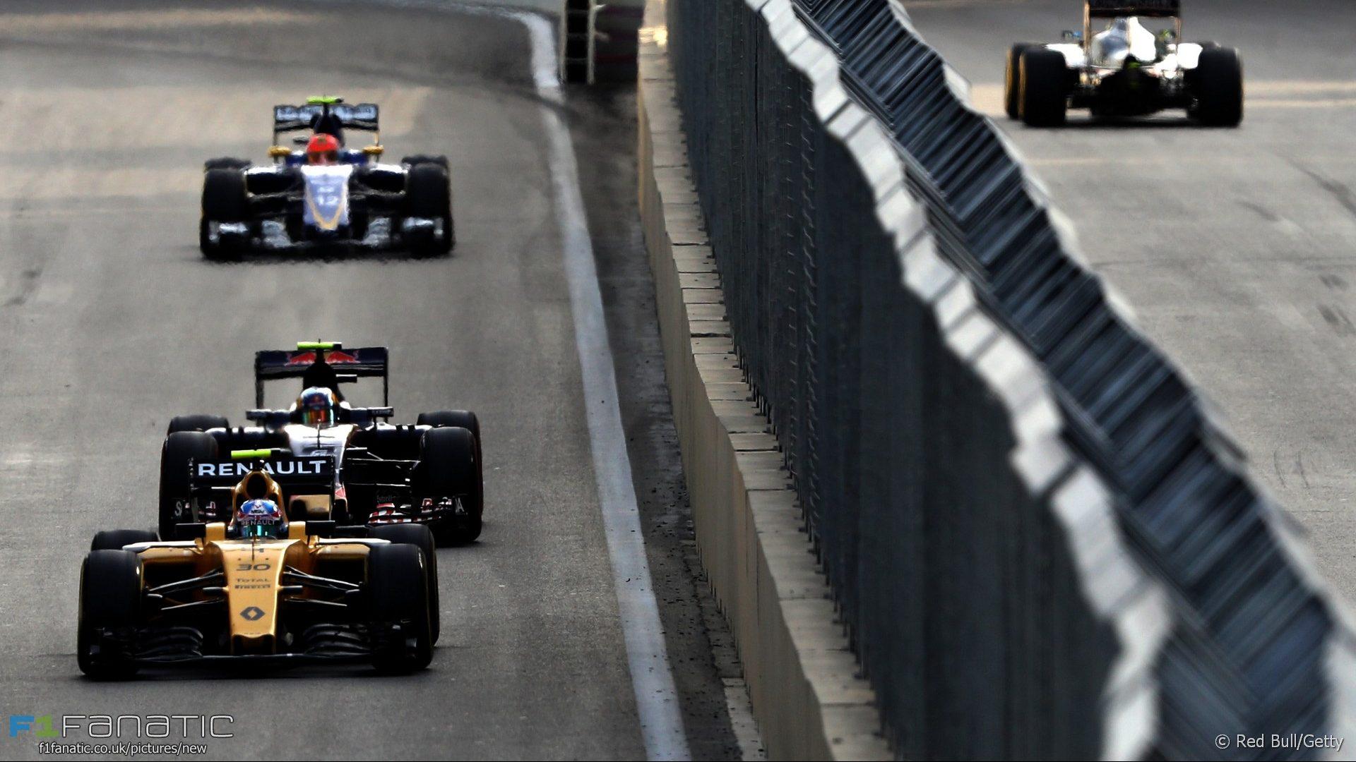 Jolyon Palmer, Renault, Baku City Circuit, 2016