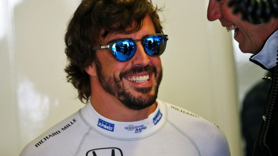 Alonso thanks Button for tow which got him into Q3