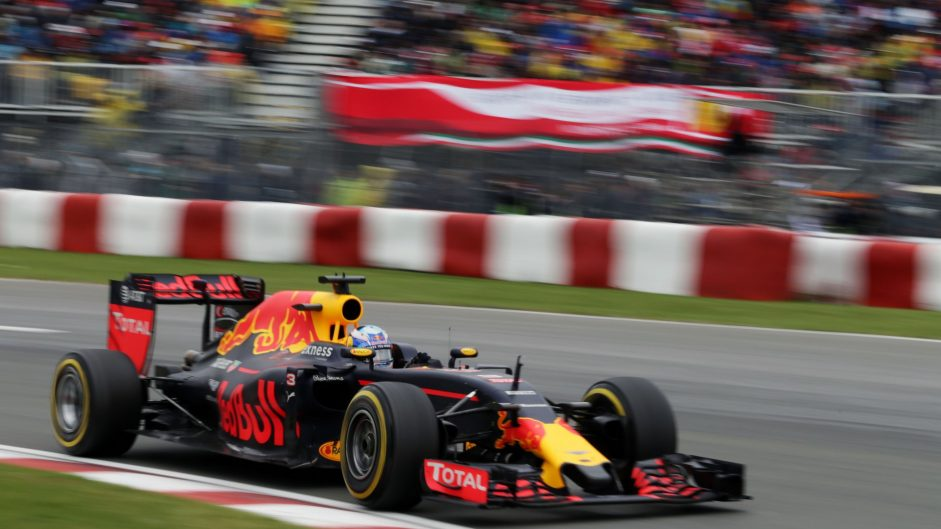 Daniel Ricciardo, Red Bull, Circuit Gilles Villeneuve, 2016