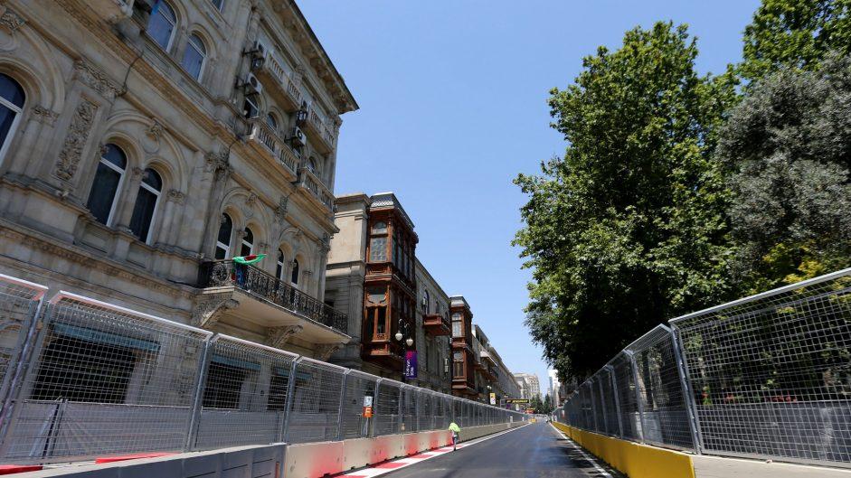 Button warns over lack of run-off at Baku
