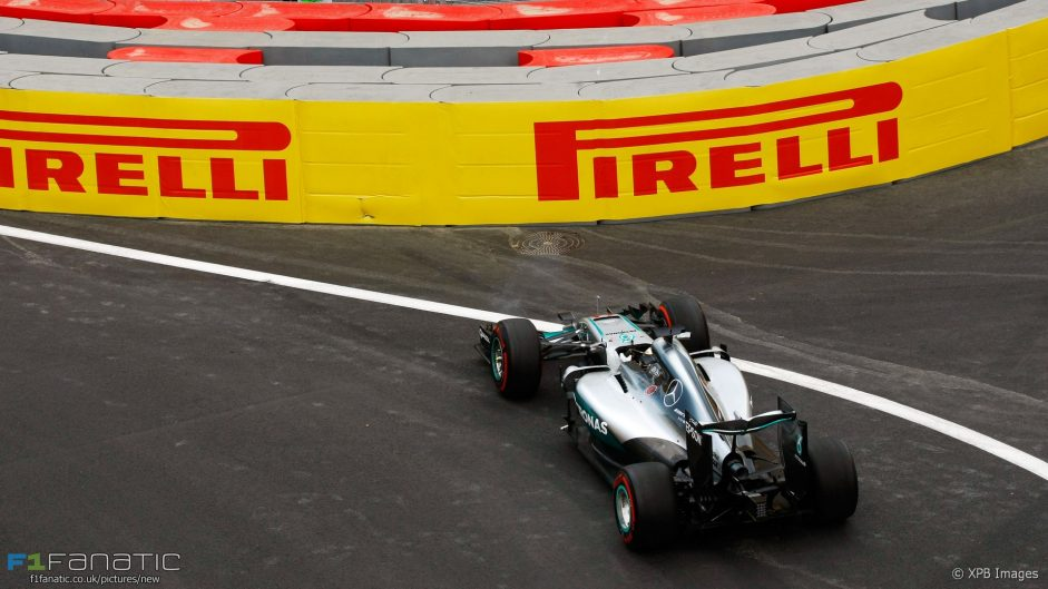 Hamilton allowed to replace damaged tyre