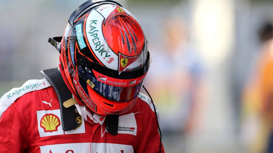 Raikkonen given penalty points for pit entry violation