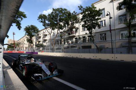 Lewis Hamilton, Mercedes, Baku City Circuit, 2016