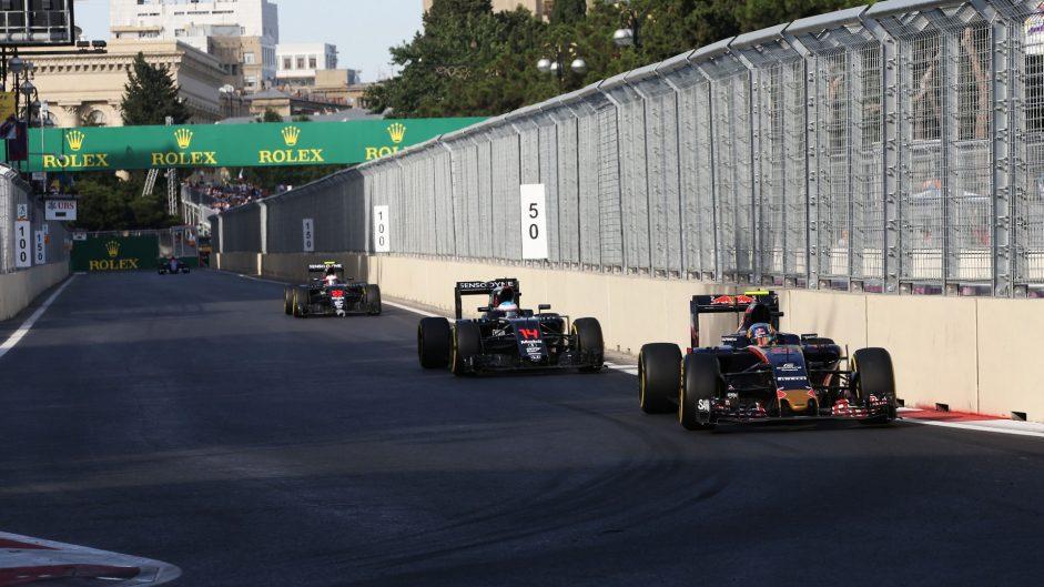 Carlos Sainz Jnr, Toro Rosso, Baku City Circuit, 2016