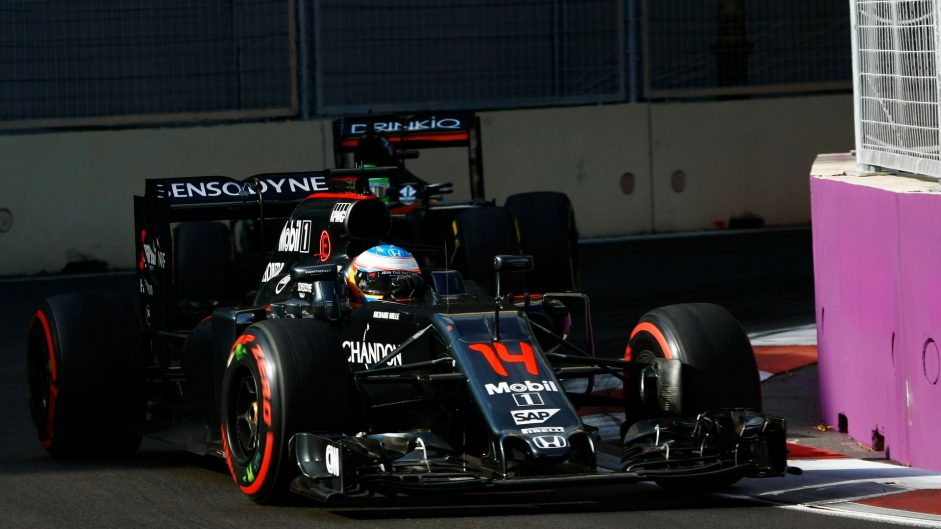 Fernando Alonso, McLaren, Baku City Circuit, 2016