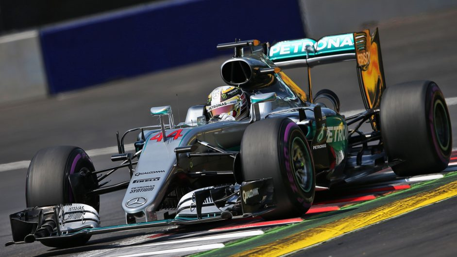 Hamilton takes pole in dramatic damp qualifying session